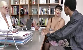 Sex therapist fucks younger couple