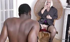 Old slut fucking black dick